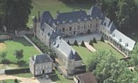 Le château de Brécourt au coeur d'un parc de 22 hectares.