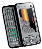 Toshiba s'est inspiré du Communicator de Nokia avec son G900 au design très soigné.