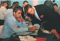 Managers de SVO et chefs des ventes prennent connaissance des résultats du quiz sur l'état, du marché.