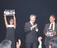 Lors de la finale du concours de KMBS, à la Grande Arche de la Défense, les gagnants se sont vu remettre 3000 Euros en chèques-voyages.
