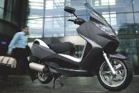 En moyenne, les scooters sont changés tous les 4000 kilomètres. Ici, un scooter Peugeot Satelis de 125 cm3.