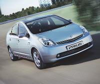 Avec 104 gr de CO2/km, la Toyota Prius, qui dispose d'une motorisation hybride essence-électricité, arrive en tête des voitures les moins polluantes, selon l'Ademe.