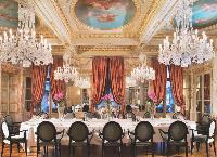 A Bordeaux, le groupe Rezidor a ouvert The Regent, palace quatre étoiles luxe, qui compte 13 salles de réunions modulables pour les événements professionnels.