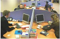 Chez Nec Computer, lors de leur parcours d'intégration, les vendeurs passent une journée au siège, à Angers, pour découvrir les différents services, notamment le SAV.