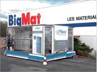 En 2007, Placophonique a visité 1 100 revendeurs grâce à un dispositif de démonstration mobile installé sur les parkings des négoces.
