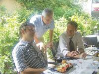Déjeuner d'affaires pour Michel de Zukowicz et son responsable commercial francilien (avec la cravate).
