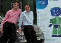 Benoît Chatelier et Alexandre Crosby, les deux fondateurs de Carbox, proposent de petites citadines de type Fiat 500 en libre service dans les entreprises.
