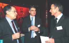 2- Jacques Marseille, avec Paul Chemama, directeur commercial d'Altadis, et Patrick Reboul, directeur des opérations de Sage CRM.
