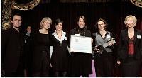 Isabelle Déprez des DCF (à droite) avec l'équipe de CAA (Laurianne Gisclon et Aurélie Cordier-Caillot) et de YSL Beauté (Lionel Gonzalez et Mélanie Alguacil).