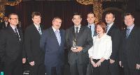1- Stanislas Assuli, directeur commercial de Fortis Assurances, manager commercial 2008 (3e place), entouré des membres du comité de direction de Fortis Assurances.