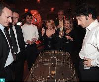 10- Durant la soirée, les invités ont pu se défier autour de jeux forains d'antan.