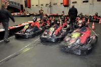 Les 45 candidats sont répartis en neuf équipes de cinq pilotes chacune.