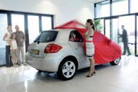 Toyota théâtralise la livraison des voitures dans les concessions