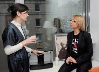 En discussion avec Frédérique Verbrugghe, assistante de Laurent Habib, p-dg de l'agence.