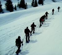 AventSport propose l'animation «Team cordée» : les participants, regroupés dans une cordée, doivent atteindre un point précis.