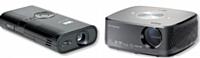 De gauche à droite: Le MPro 150 de 3M et Le HX300 de LG.