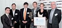 L'équipe de CAA avec leur client Gemalto. Le prix a été remis par Claude Cordier (Sage), à gauche.
