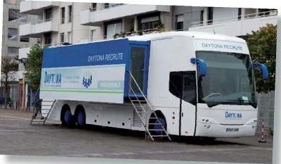 daytona recrute ses commerciaux bord d 39 un bus itin rant. Black Bedroom Furniture Sets. Home Design Ideas