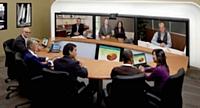 La visioconférence en salle immersive permet de réunir, presque physiquement, tous les collaborateurs concernés