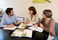 Sébastien Gendry, Marilyne Tardit et Cécile Enjolras se réunissent tous les lundis pour faire le point.