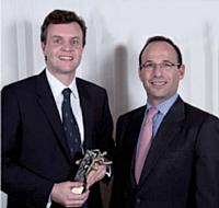 Stéphane Reboud s'est vu décerner son prix par Cyril Kovarsky, directeur commercial France du marché entreprises chez Orange Business Services.