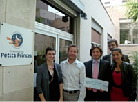 Grâce au challenge caritatif, Barclays a pu remettre un chèque de 3500 euros à l'association Petits Princes.