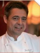 Jean-Michel Lorain, chef de La Côte Saint Jacques à Joigny en Bourgogne. Déclaré «Chef de l'année» par Christian Millau en 1993, avec une note de 19,5/20, il détient trois étoiles au Michelin depuis 1986 (sauf entre 2001 et 2004)
