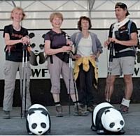 Denis Méazza et son équipe de téléconseillers Orange ont relevé le double challenge du Pandathlon: récolter des fonds pour le WWF et gravir ensemble le Mont Ventoux
