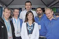 Christian Ricard (à gauche) accompagné de commerciaux et de collaborateurs d'Arena.