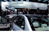 Les candidats ont pris connaissance des offres d'emploi sur le site de Mercedes avant de se rendre sur le stand du Mondial.