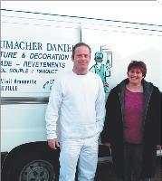 Sylvie Schoumarcher est le bras droit administratif de son mari qui a créé sa micro-entreprise de peinture.