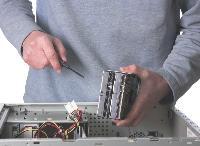 Réactivité, compétences ou encore politique tarifaire, trois critères à prendre en compte pour sélectionner votre dépanneur informatique.