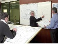 Didier Duchêne a fait construire pour ses apprentis une salle de cours située au milieu de l'atelier, pour un budget de 90 000 Euros.