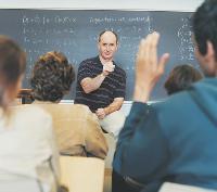 Les organismes de formation s_efforcent d_entretenir des relations privilégiées avec les branches professionnelles pour être au plus près des besoins des dirigeants.