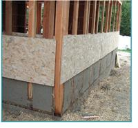 Quid du mortier? Le mortier est coulé grâce à un déversoir, via des planches en bois vissées aux montants. Il est généralement composé de chaux, de sable, de sciure de bois et plus rarement de ciment.