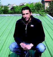 Sébastien Cohen s'assure 10 à 15% de son chiffre d'affaires en passant par des courtiers en travaux.