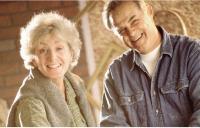 Depuis la loi du 2 août 2005, le choix d'un statut pour le conjoint participant à la vie de l'entreprise est obligatoire.