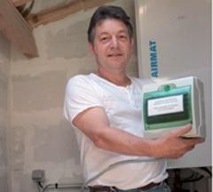 Didier Jeanty, chauffagiste, souhaite simplifier les dispositifs mis au point par les industriels