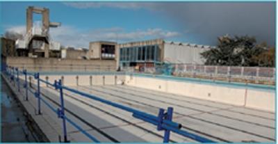 Un stade nautique flambant neuf for Piscine villejuif