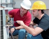 La transmission des compétences est primordiale dans le secteur du bâtiment.