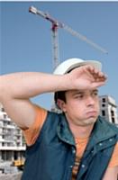 En période de forte chaleur, aménagez les horaires de travail sur les chantiers et adaptez les équipements de vos salariés en fonction de la température.