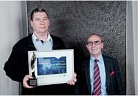 Pascal Lorin (à gauche) a remporté le trophée Association, remis par Robert Goinaud (MNRA).