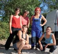 Les artisanes de l'association Bâtir au féminin n'ont pas compté leur temps pour rénover le Mammobile.