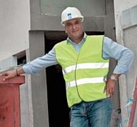 Foued Kaddèche n'hésite pas investir 10 000 euros par an pour moderniser le matériel de l'entreprise.