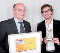Le 1er prix a été remis à Maxime Bourassin (à droite) par Eric Lestanguet (GDF Suez Energies France).