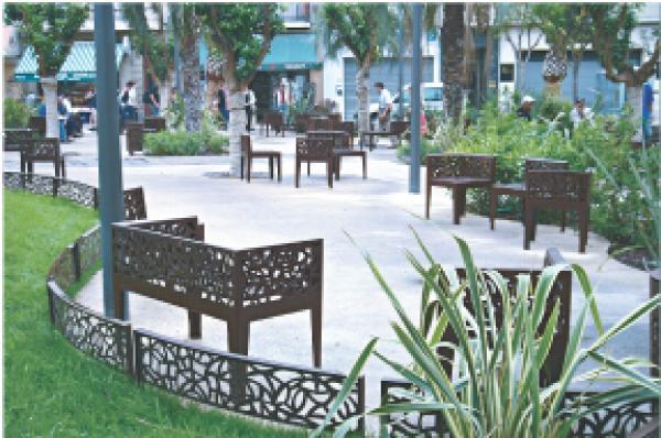 Mobilier urbain jardin public la rochelle maison design for Mobilier urbain espace public