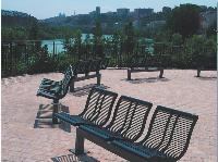 La ville de Caluire et Cuire, près de Lyon, a retenu les sièges individuels de la collection Urban City proposée par Sineu Graff.