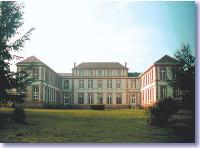 Le château de Vacassy, siège de l'Institut de veille sanitaire.