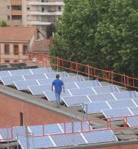 Le conseil régional de midi-Pyrénées produira 5 % de sa consommation électrique grâce à des panneaux photovoltaïques.