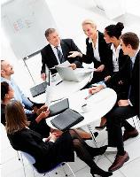 Organiser une simple réunion peut devenir un véritable casse-tête dans certaines PME.